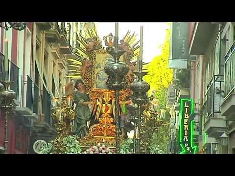 Reportaje sobre la Salida Extraordinaria de la Virgen del Perpetuo Socorro (25 de octubre de 2014), con motivo de la celebración de los 100 años de Presencia Redentorista en el Santuario.